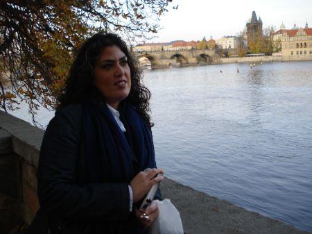 Eva, en uno de sus viajes a Praga