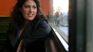 Novela, ensayo, artículos periodísticos. Eva vive en el mundo de las Letras