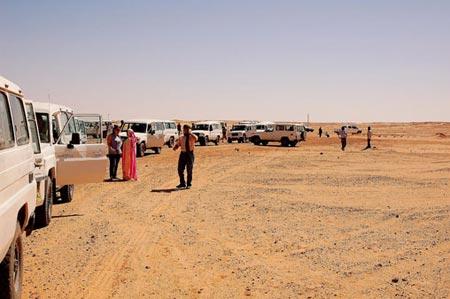 Uno de los puntos más fuertes en cuanto a ayuda humanitaria, es el apoyo alimentario que se realiza cada año con la campaña 'Caravana por la Paz'