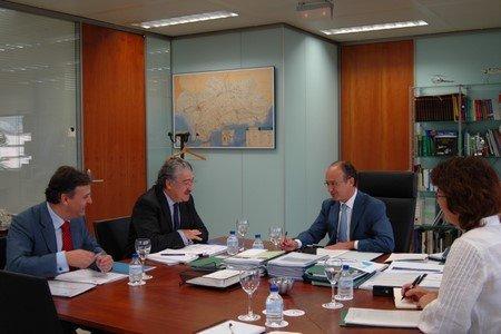 En la reunión se evaluaron los trabajos conjuntos entre la Consejería de Innovación y Endesa