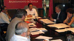 Gómez de Celis, reunido con el Comisionado para el Polígono Sur, presidenciado por Jesús Maetzu
