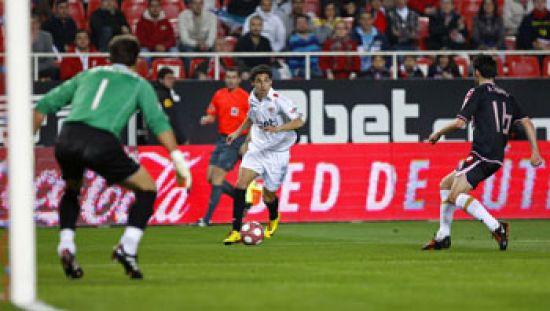 Renato estará junto a Negredo y Konko en el partido de mañana ante el Espanyol/SevillaFC