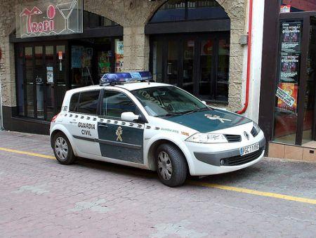 Los presuntos ladrones aprovecharon que la mujer era sordomuda para robarle 2.000 euros