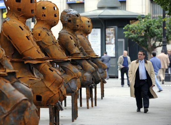 El sevillano quedó atónito ante el tamaño de los guardianes de hierro