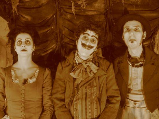 La obra de Ymedio teatro combina el clown, la música en directo y la magia