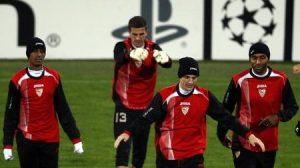 El Sevilla se enfrentará al Barcelona ocn la Copa de África de por medio/Zumapress