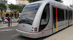 Los paneles de información permitirán adaptar el tiempo del tranvía al horario de salida de los autobuses.