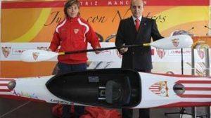 La piragüista sevillana podrá defender los colores del club en sus competiciones/Sevilla FC