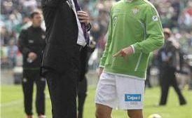 Fernández contará con todo su arsenal para el partido/realbetis