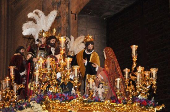 Misterio del Carmen Doloroso en el interior de la Catedral/ Enrique Ayllón