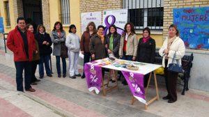 Tocina celebra el Día de la Mujer con talleres de cuentos no sexistas