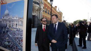 El alcalde, Alfredo Sánchez Monteseirín, visitó las obras finalizadas./ SA