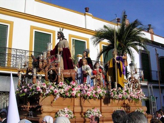 A las siete de la tarde La Borriquita abre las procesiones en Cantillana desde la Parroquia de la Asunción