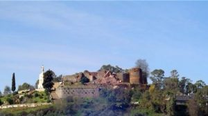 """Bueno declara que hay que reconstruir el castillo """"hasta donde sea posible"""""""