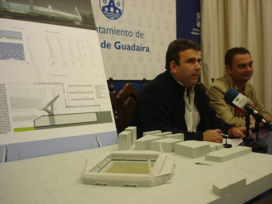 El delegado de Urbanismo, Rafael Chacón, junto al entonces delegado de Deportes, José Manuel Campos/SA