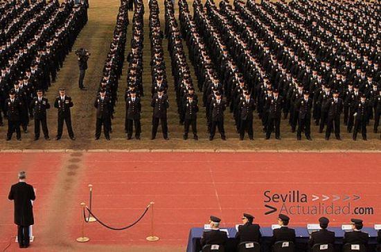 Los nuevos efectivos del Cuerpo Nacional de Policía durante la jura de sus cargos el pasado 26 de febrero en Ávila / Juan C. Romero