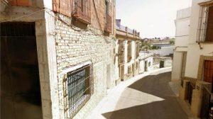 En Marchena existen naves, pisos y viviendas que son considerados como monumentales/SA.