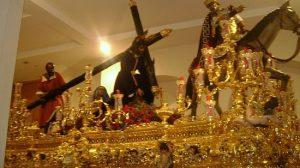 El Señor de las Tres Caídas de la Esperanza de Triana se encuentra en su paso / J. Mª Lugardo