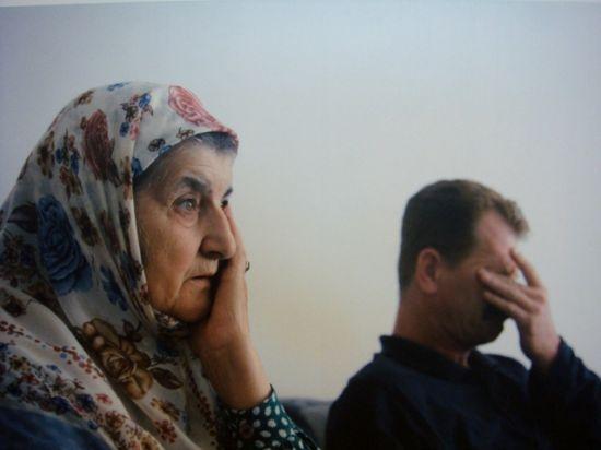 Mina, superviviente del conflicto de Bosnia/Paul Lowe