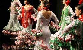 Las turistas podrán lucir de flamenca en el Real/SA.
