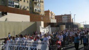 Según los padres, hasta 1.000 personas acudieron a la manifestación de ayer/SA