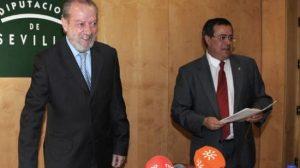 El presidente de la Diputación, a la hora de anunciar las concesiones