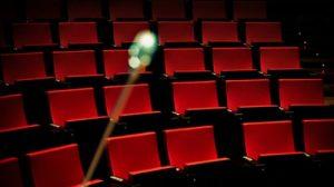 El grupo 'Sparring Son', formado por Sergio Domínguez y la actriz y cantante Rebeca Torres, traerán al teatro sevillano La Imperdible 'Viaje al crepúsculo del amor'.