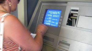 Los clientes se encuentran ahora con la incógnita de qué pasará con sus ahorros/Marilink en Flickr