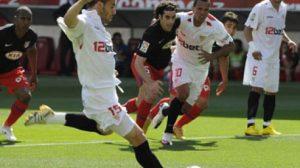 Álvaro Negredo a punto de lanzar el penalti/SevillaFC