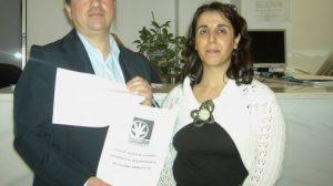 Los andalucistas Paco Rubio y Lola Aquino, en el momento en que el PA presentó las alegaciones al PGOU
