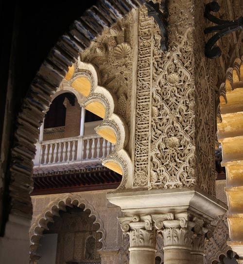 En la guía se reprensentan los rincones mas literarios del Alcázar. /Jamesdale