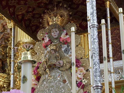 Los peregrinos esperarán a la medianoche para sacar a hombros a la Virgen del Rocío/Amfabra en Flickr
