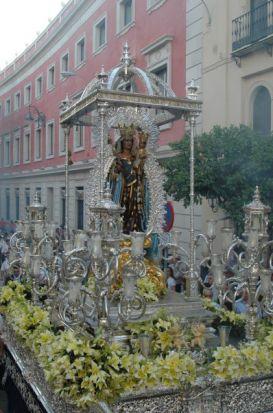 Virgen de la Hiniesta Gloriosa/ Jose Javier Comas