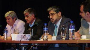 El alcalde de Santiponce, en la firma del acuerdo del nuevo centro de salud