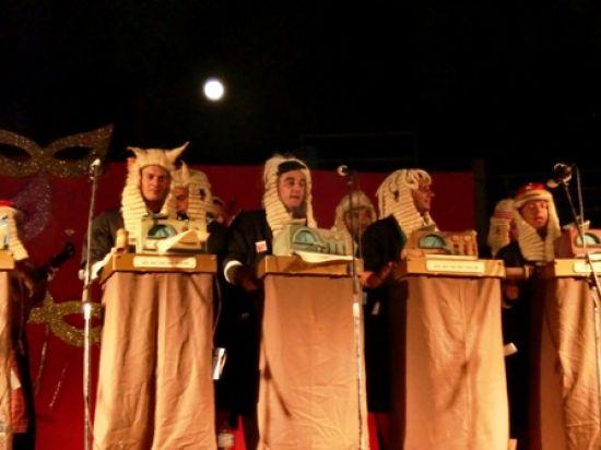 El primer premio de chirigotas del Carnaval de Cádiz, 'Los que van por derecho'/Ana Benítez