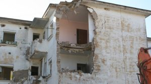 Uno de los edificios que se domolerán en Regiones Devastadas