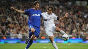 David Belenguer con el Getafe en un encuentro contra el Real Madrid / Real Betis Balompié