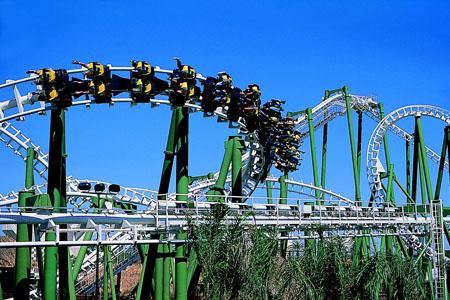 El parque Isla Mágica ofrece una oferta que incluye el disfrute de las atracciones, espectáculos y el visionado del partido/SA