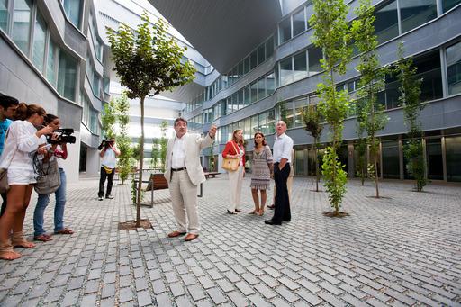 El nuevo edificio se encuentra situado en el campus Ramón y Cajal/US.