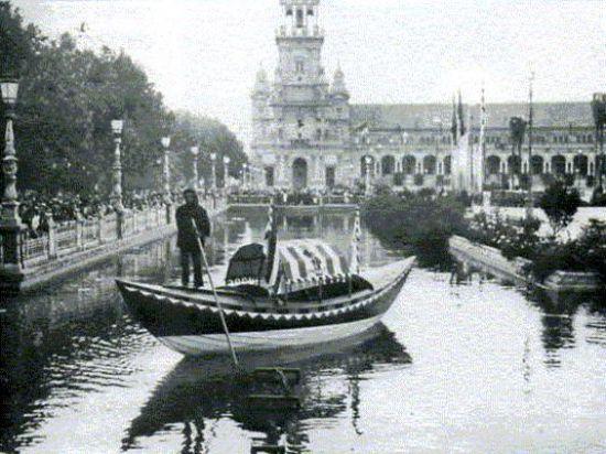 Góndolas venecianas originales en la Plaza de España en 1929