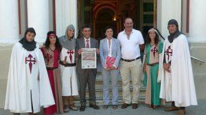 La diputada de Turismo e Innovación, Dolores Bravo, participó en la presentación de la tercera edición de la Fiesta Santiaguista de Estepa./Diputación de Sevilla