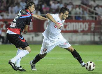Álvaro Negredo, a falta del penalti, estuvo poco activo durante todo el partido/SevillaFC