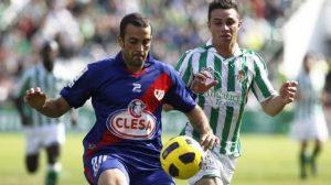 La igualdad del primer tiempo se rompió con los goles de Beñat y Castro/Antonio Pizarro