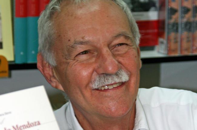 Eduardo Mendoza se postulaba como ganador del premio mejor dotado de las letras españolas/Miguel A. Monjas
