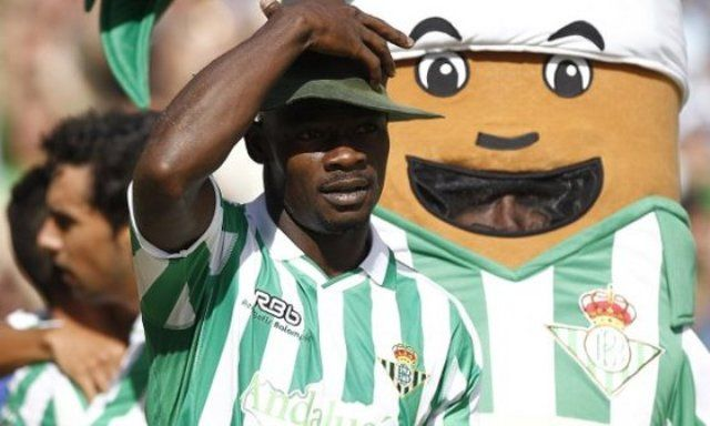 El camerunés estuvo en la mayoría de contragolpes del Betis/Pizarro