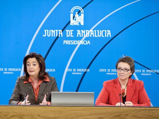 Mar Moreno, consejera de la Presidencia de la Junta de Andalucía, y Carmen Martínez Aguayo, consejera de Hacienda y Administración Pública. /SA