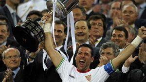 Palop recoge el trofeo en la final del Camp Nou/SA