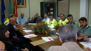 Policias y ciudadanos en la Delegación de Policía Local y Fiestas Mayores.