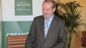 El presidente de la Diputación, Fernando Rodríguez Villalobos, asegura que desde 2007 han inyectado 555 millones de euros para programas inversores en los municipios
