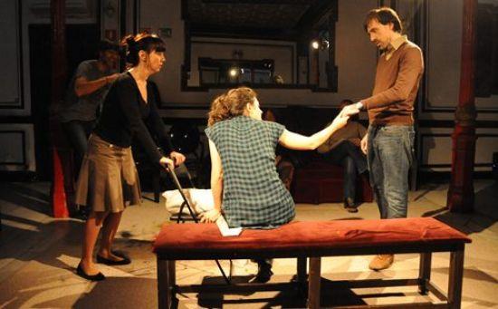 La Función por hacer' dirigida por Miguel del Arco, es el ejemplo de cómo el boca a boca puede encumbrar una producción. / teatrocentral